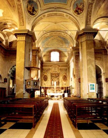 interno santa maria Nuova